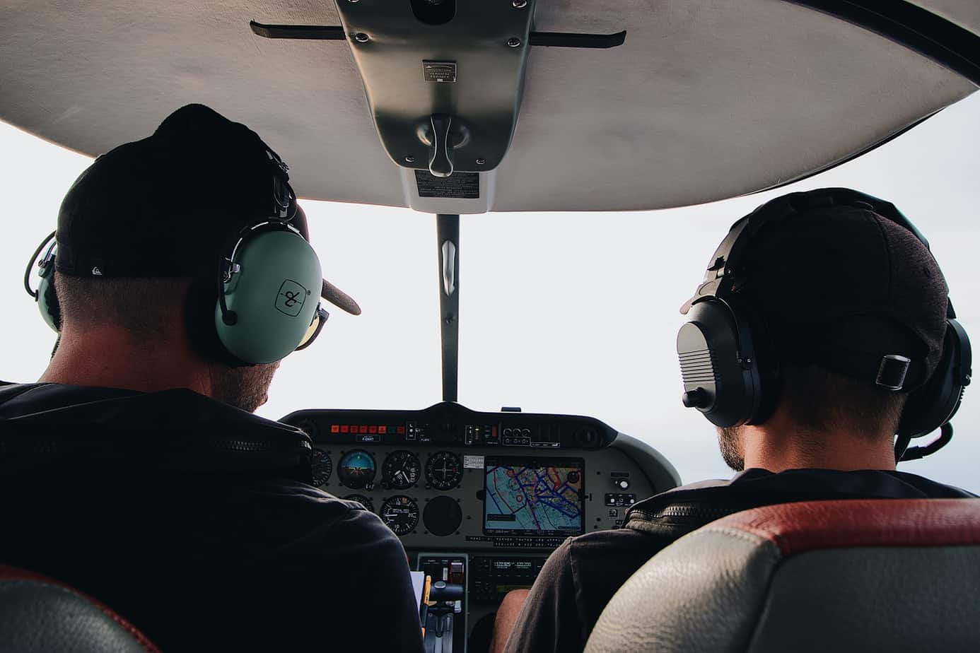 How long does it take to learn to fly a plane?
